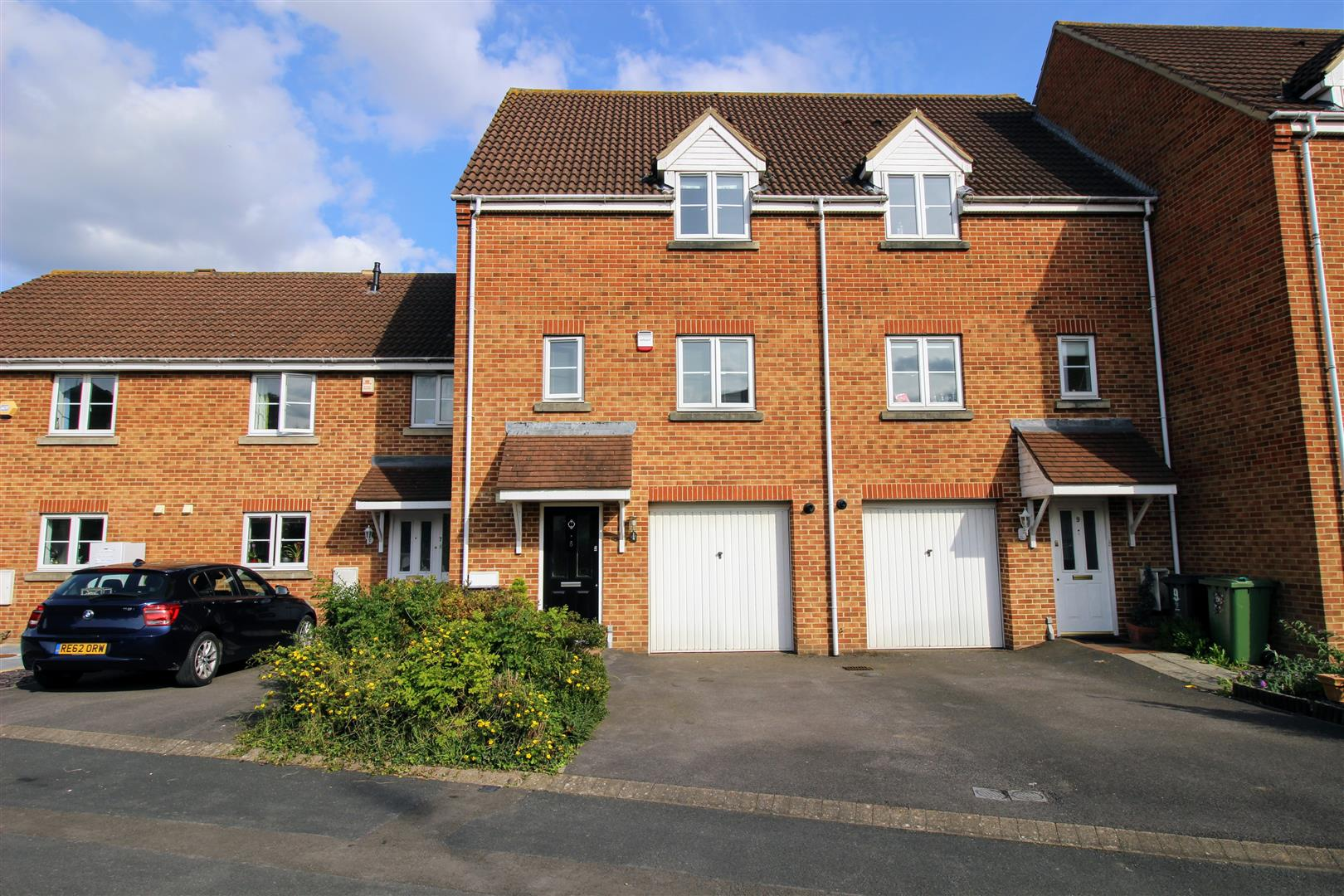 3 Bedrooms Town House for sale in Swindon